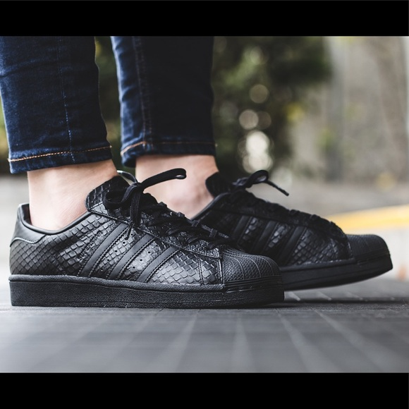 info for dc777 37ed4 adidas Shoes - adidas  Size 7  All Black Superstar  Snakeskin